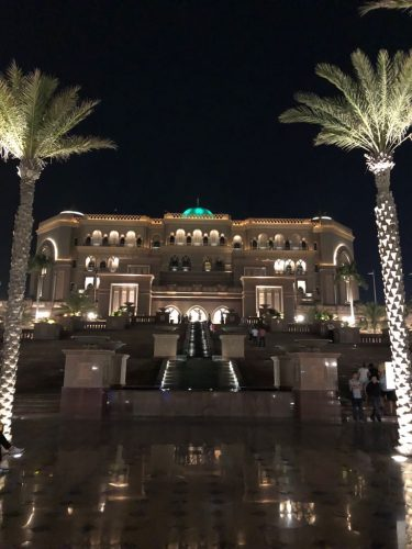 Viajar sola a Abu Dhabi