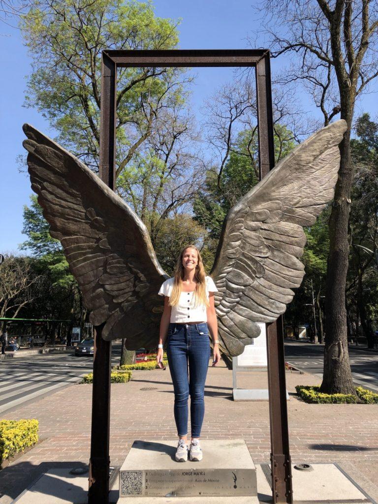 Alas de Mexico escultura